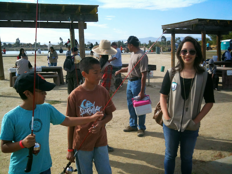 2012-10 Kids Fishing Day - diny%2Bwith%2Bkids.JPG
