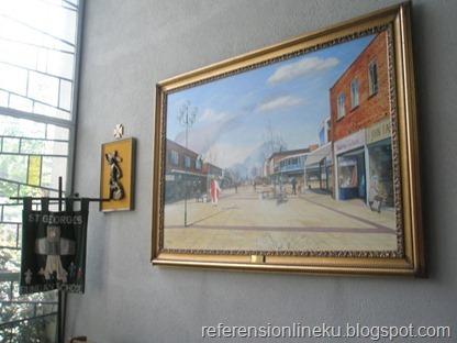 Lukisan yang dipajang di dinding