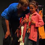 ZieZus Lezen is Leuk Hannah Borst helpt kind met rol interactief.jpg