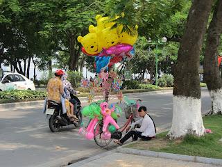 0060The_Streets_of_Hanoi