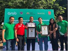 Wow! Grab Pecahkan Rekor MURI Menghias Tempat Penyeberangan Terbanyak di Semarang!