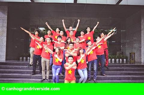 Hình 1: 500 chiếc áo đỏ – Dấu ấn đậm nét của văn hóa doanh nghiệp tới nhân viên