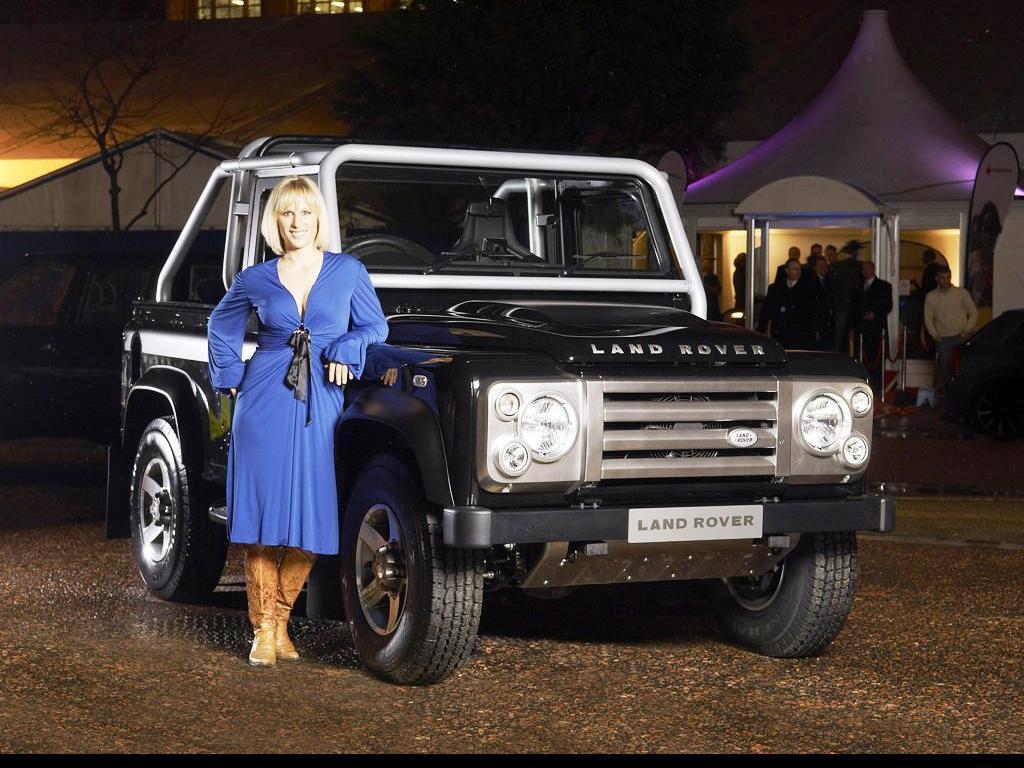 Land Rover Defender Ridin Girls