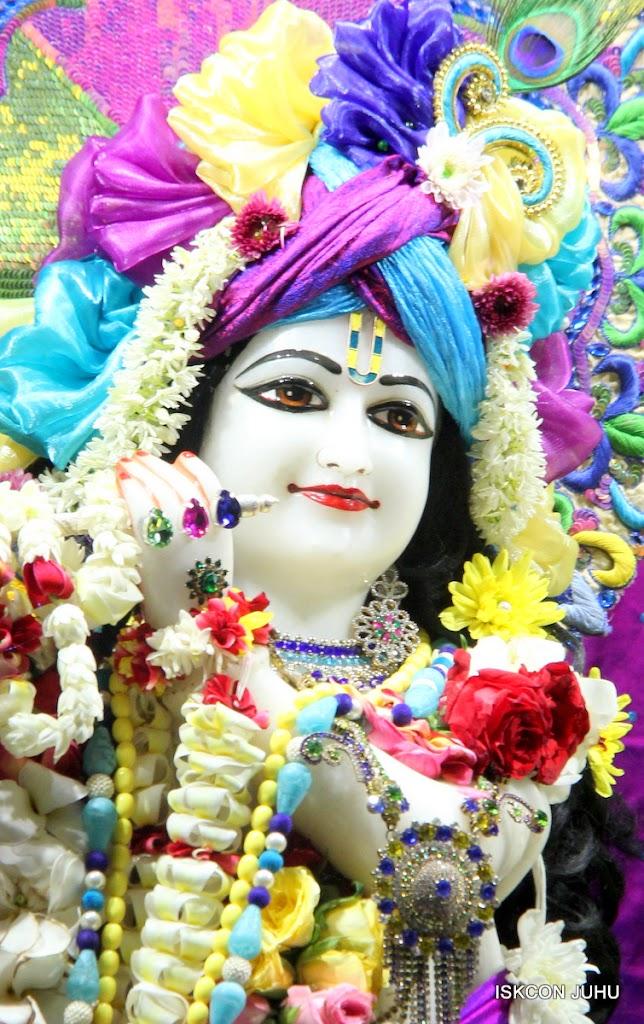 ISKCON Juhu Sringar Deity Darshan on 28th April 2016 (18)