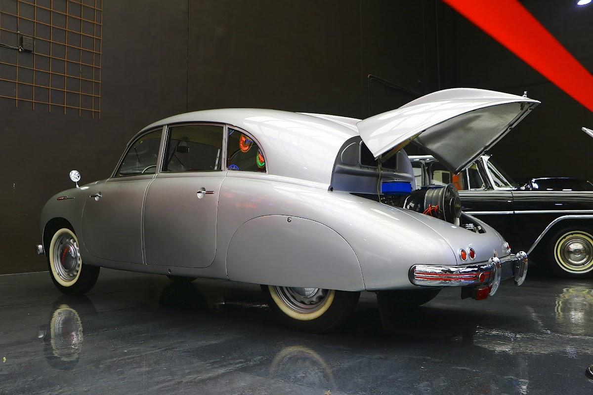 1950 Tatra 600 Tatraplan (07).jpg
