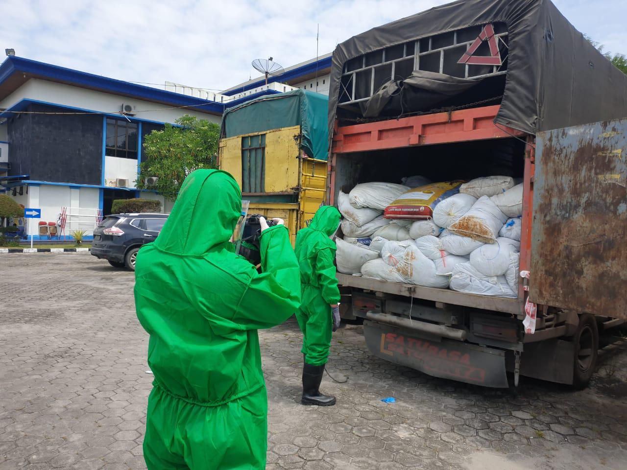 Bea dan Cukai Dumai Lakukan Penindakan Obat-obatan dan Limbah Alkes Sarung Tangan Impor