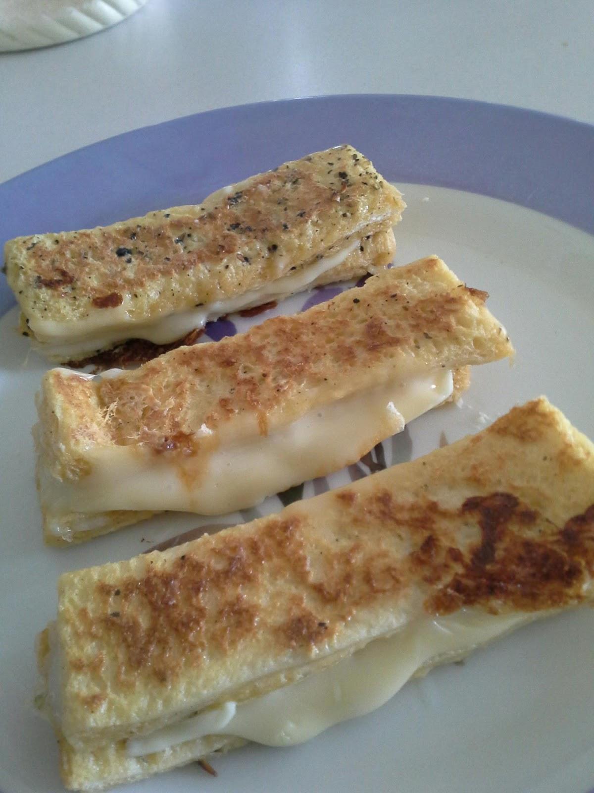 Resepi: Roti Telur Cheese leleh ~ #CeritaMak