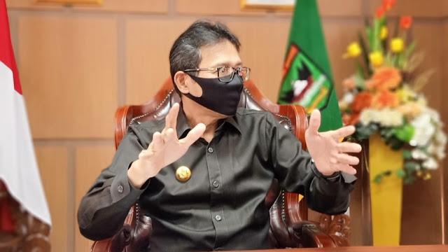 Foto: Gubernur Sumbar Irwan Prayitno. Tidak Ada Keputusan Gubernur Sumbar Membatalkan BLT.