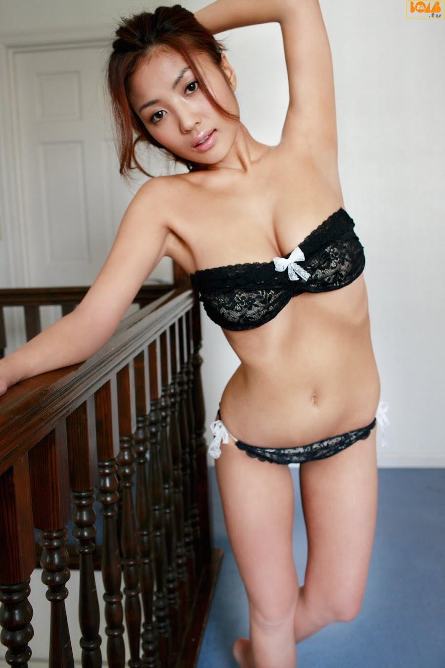 Kana Tsugihara - sexy Japanese gravure idol