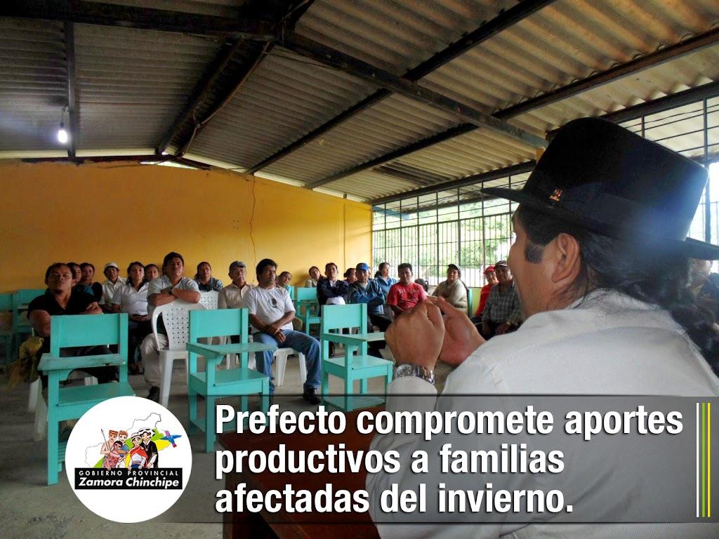 PREFECTO COMPROMETE APORTES PRODUCTIVOS A FAMILIAS AFECTADAS DEL INVIERNO