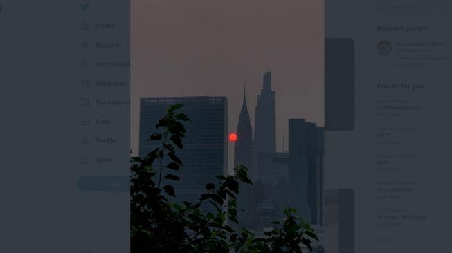 Viral! Bulan dan Matahari Merah, Ini Penyebabnya