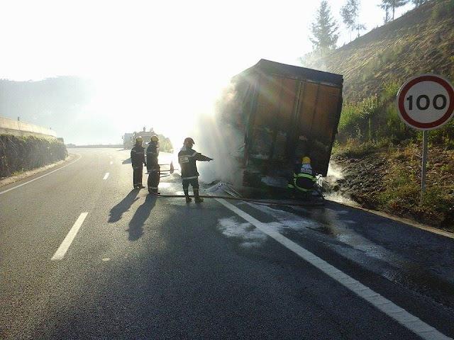 Incêndio em camião na A24