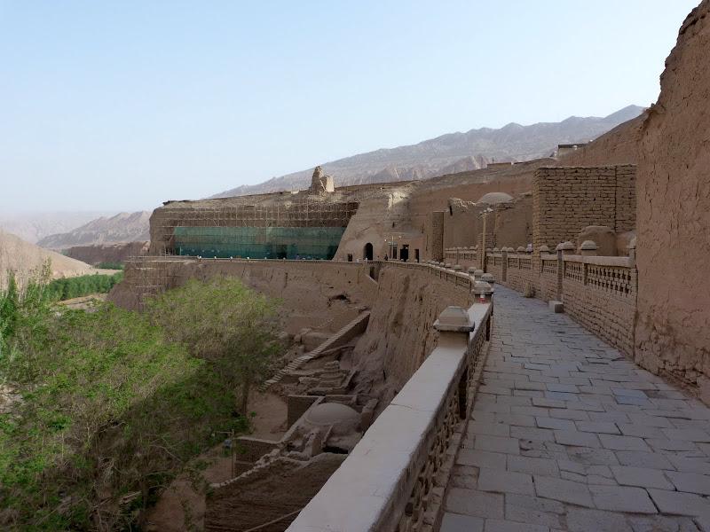 XINJIANG.  Turpan. Ancient city of Jiaohe, Flaming Mountains, Karez, Bezelik Thousand Budda caves - P1270992.JPG