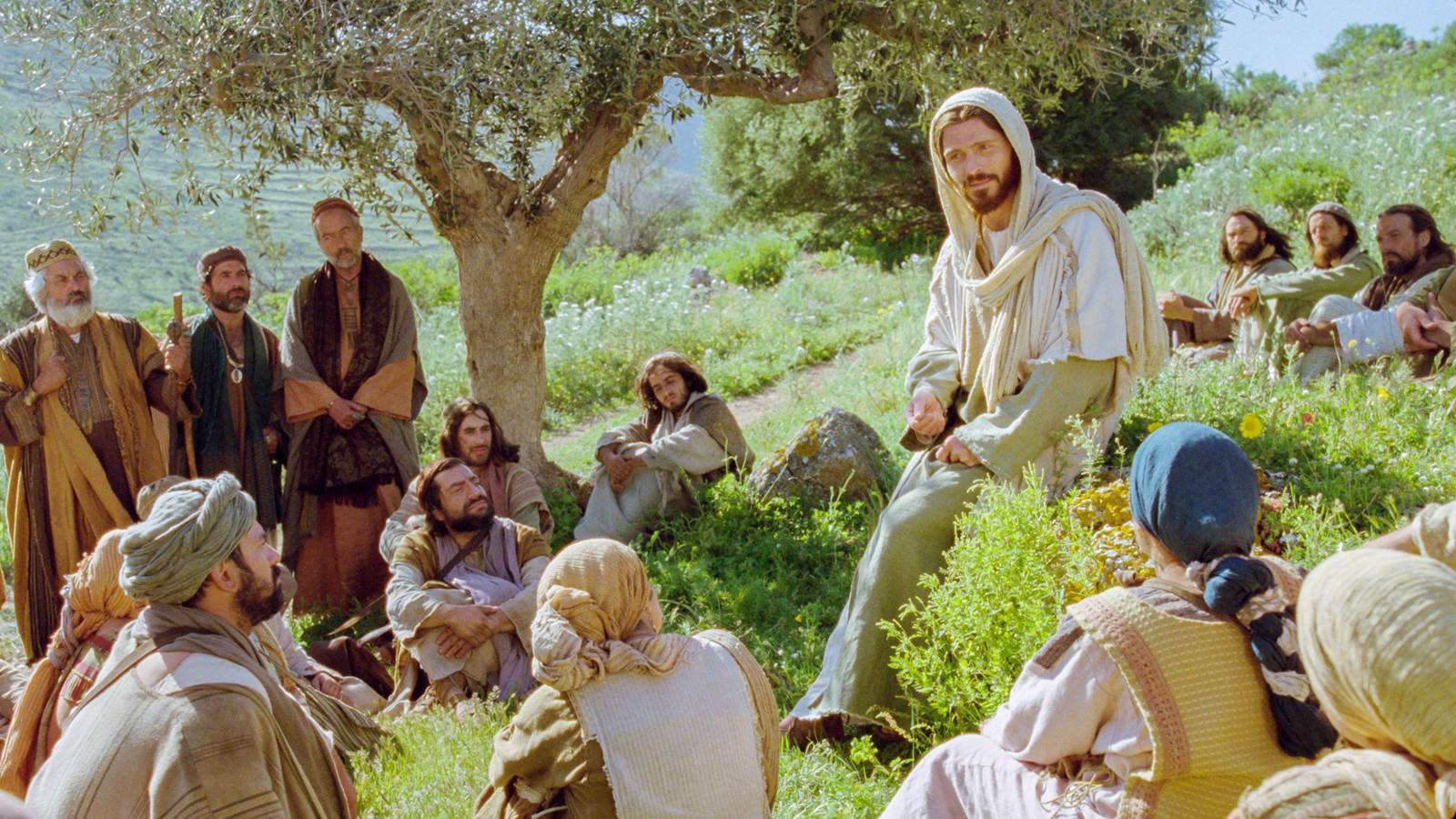 Lời Chúa: Mt 5, 43-48