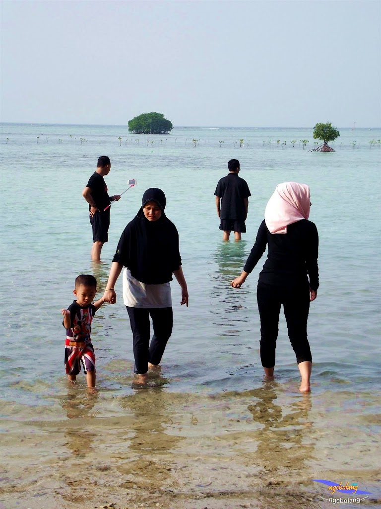 family trip pulau pari 090716 Fuji 138