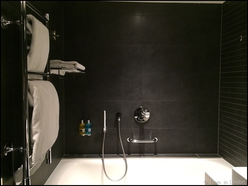 Bathroom - Radisson Blu Guildford