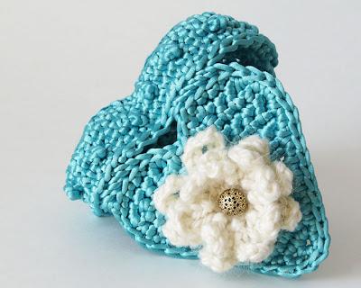 Crochet Pattern: Lovely Little Hearts - Crochet Spot