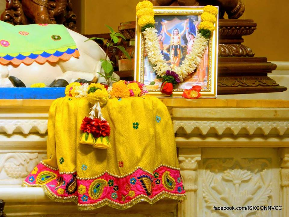 ISKCON Pune NVCC Deity Darshan 18 Dec 2015 (4)