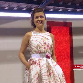 Desfile Peluquería Ana en Feria de la Salud y la Belleza en Montijo