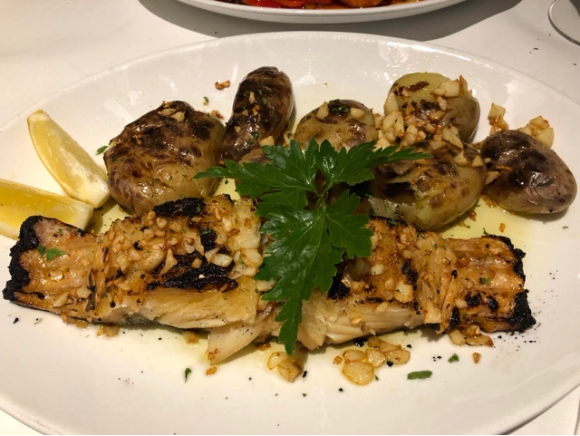 Bacalhau a Lagareiro : Grilled salted cod fish with grilled potatoes