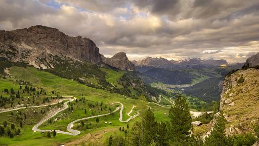 View From Passo di Gardena Grodner Joch, Dolomites, Italy.jpg