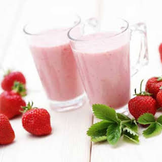 Clean Eating Strawberry Smoothie.