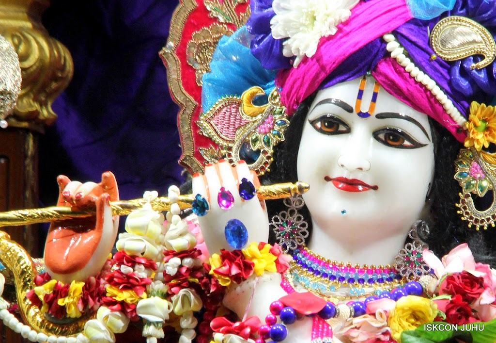 ISKCON Juhu Sringar Deity Darshan on 1st May 2016 (17)