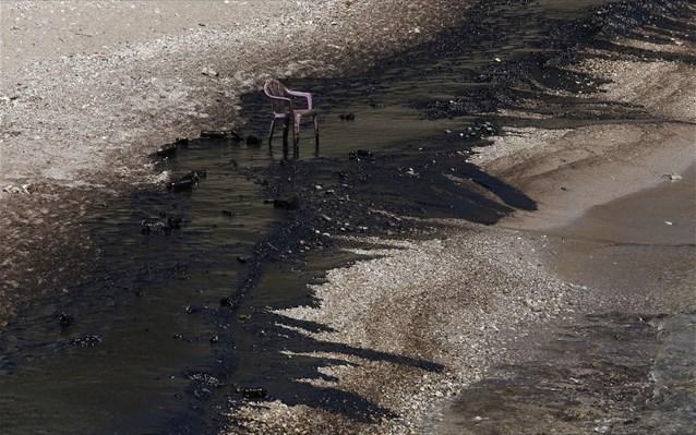 Η Κύπρος απευθύνεται στην ΕΕ για να αντιμετωπίσει την πετρελαιοκηλίδα