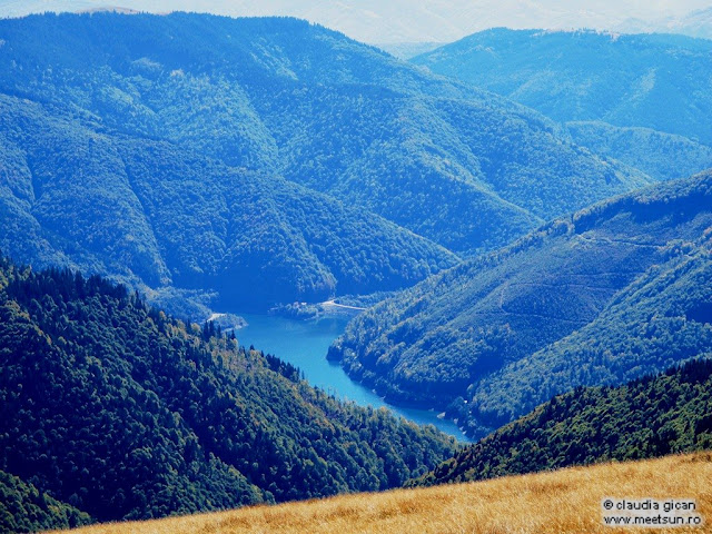 Lacul şi Barajul Râuşor