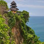 malownicza świątynia Ulu Watu, do której wstęp mają tylko wierni