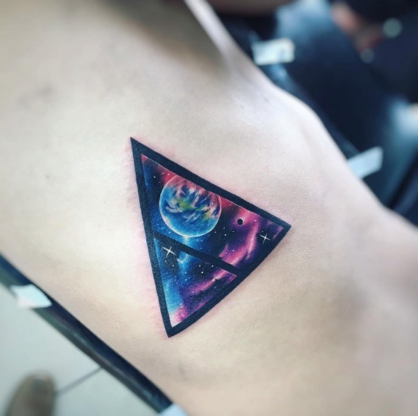este_espaço_triangular_glifo