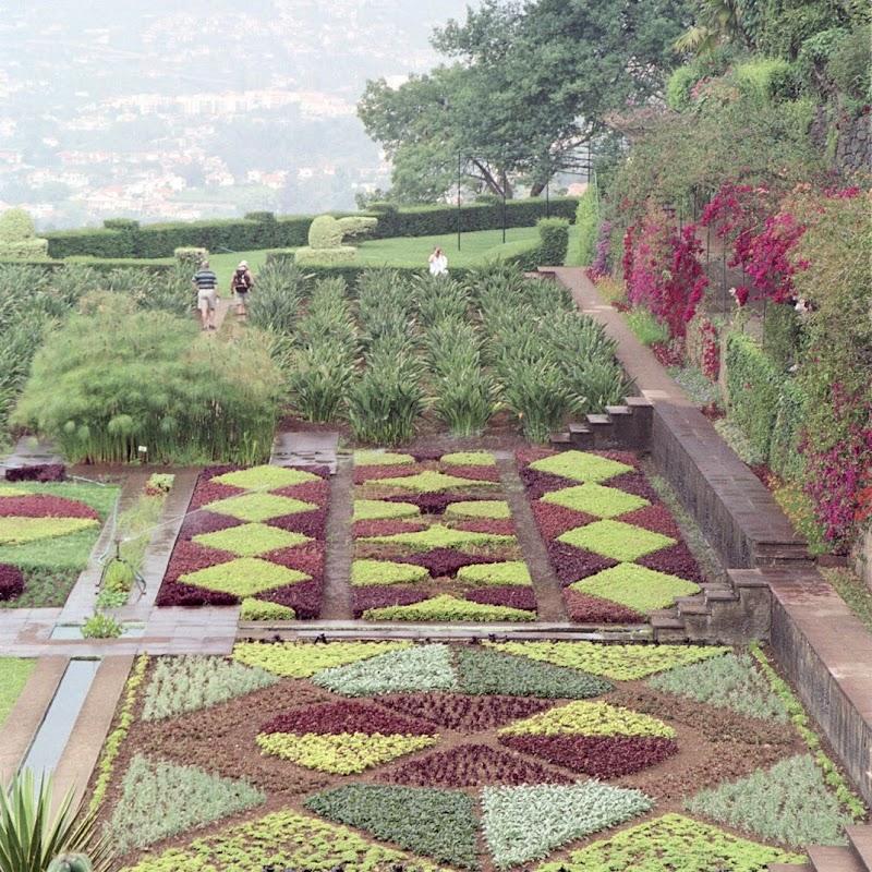 Madeira_27 Funchal Formal Garden.jpg