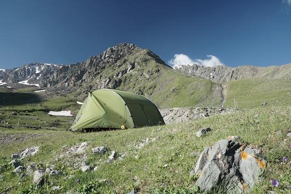 Am Töö Pass zelten wir in 3.040 m Höhe