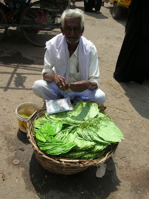 Hyderabadi Baataan - 812ef61aadf04cf4226b6d62a6dc9e16