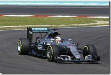 Lewis Hamilton ha conquistato la pole del gran premio della Malesia 2016