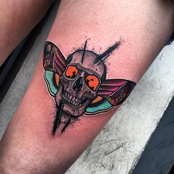 este_sensacional_crnio_e_tatuagem_de_borboleta