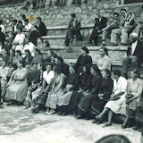 1954, στην πλατεία Καλογήρων λόγω κάποιου γάμου