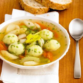 Frühlingssuppe mit Mini-Kartoffelknödel