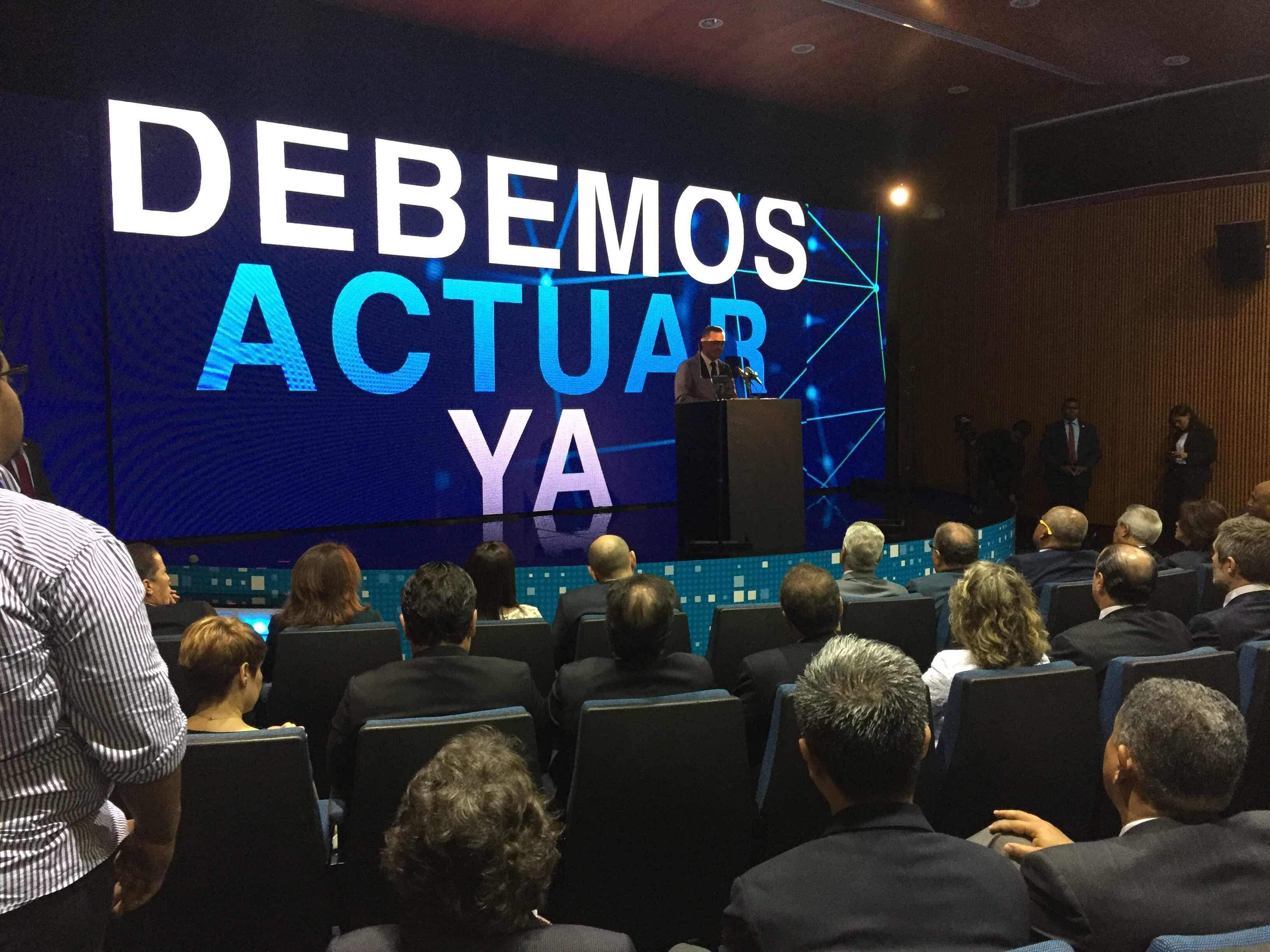 """Luis Henry Molina: """"El usuario de telecomunicaciones no estará sólo, tiene a Indotel de su lado"""""""