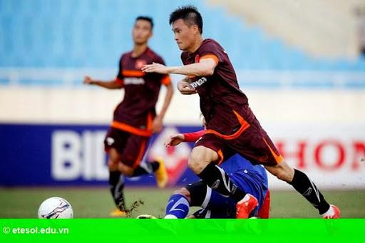 Hình 1: Công Vinh tỏa sáng, tuyển quốc gia thắng U.23 Việt Nam 3-0