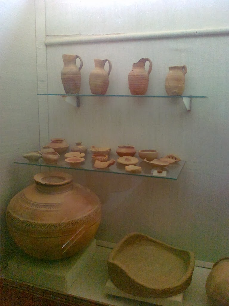 Museum_Artifacts_Polished_Red_Pottery_Parthian_era