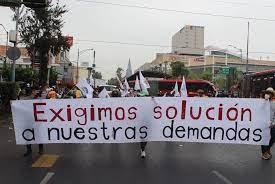Estudiantes urgen apoyos a Núñez en la Cuauhtémoc.
