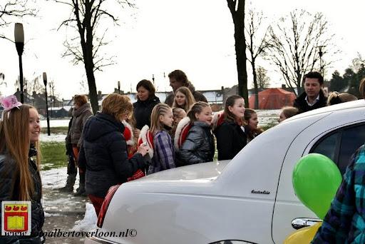 presentatie jeugd carnavalswagen 09-02-2013 (24).JPG