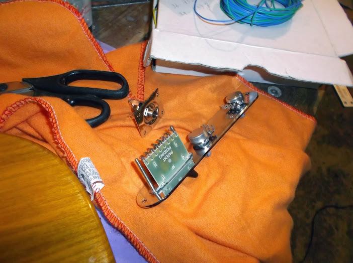 Construção guitarra telecaster, meu 1º projeto bolt on. Finalizado e com vídeo - Página 2 DSCF0057