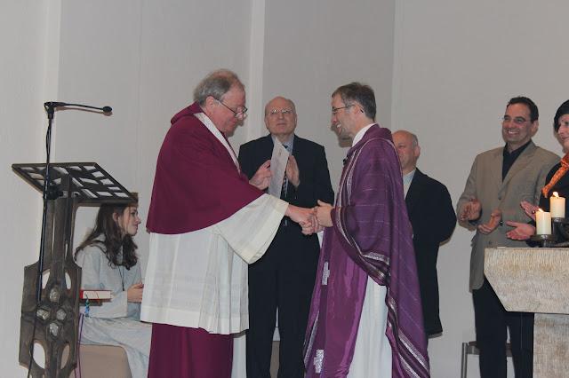 Überreichung Ernennungsurkunde  Pfarrer Müller 2012 - IMG_6769.JPG