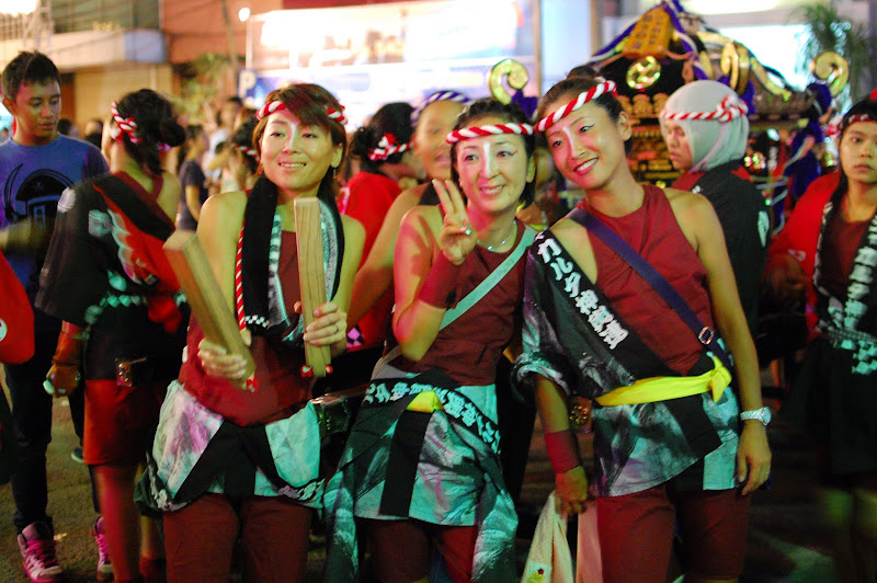 Mba-mba Jepang di Ennichisai Blok-M dengan dandanan festival