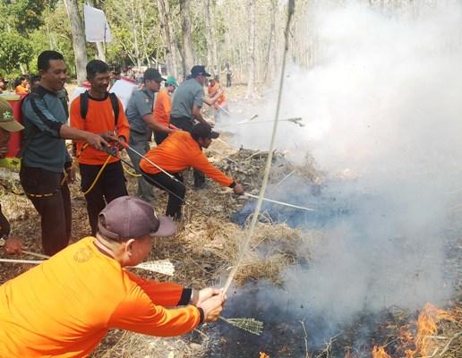 berita foto video sinar ngawi terkini: Kesatuan Pemangku Hutan (KPH) Ngawi dirikan Pos simpatik lengkap dengan Damkar