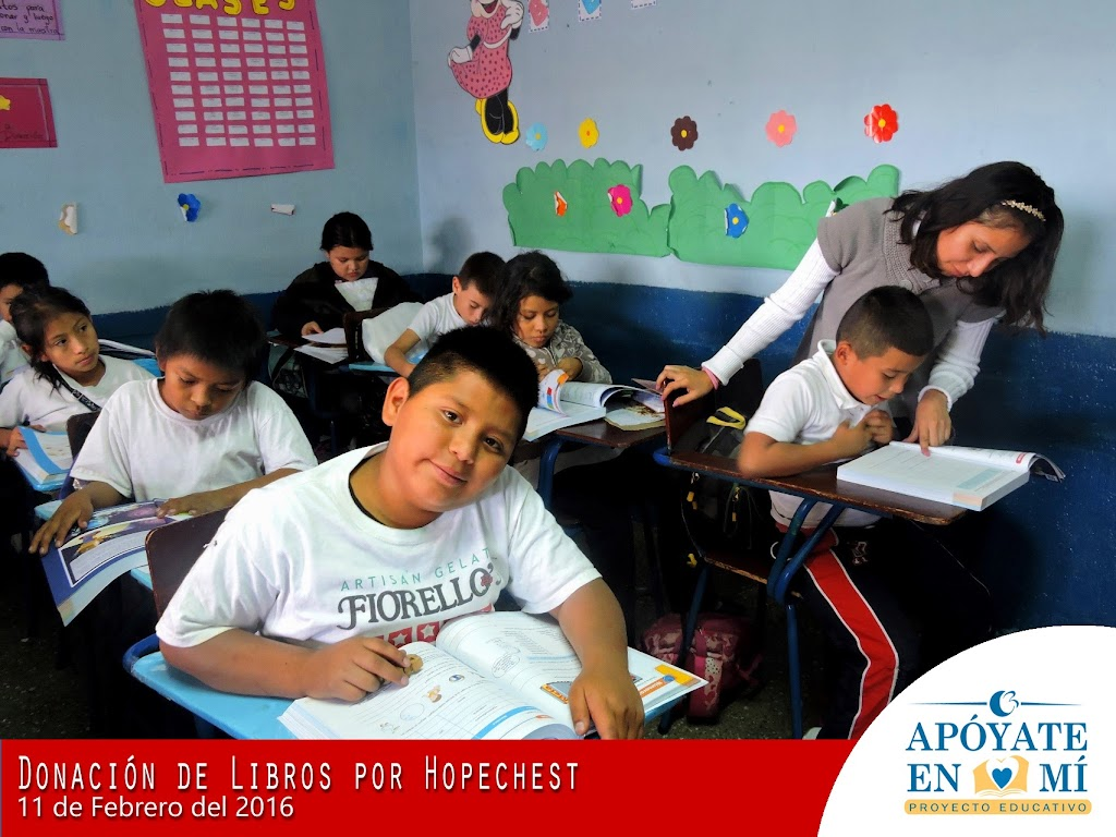 Donacion-de-Libros-de-Texto-por-Hope-Chest-10