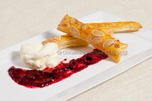 杏仁酥皮配樹莓醬 Almond Pastry with Raspberry Compote02