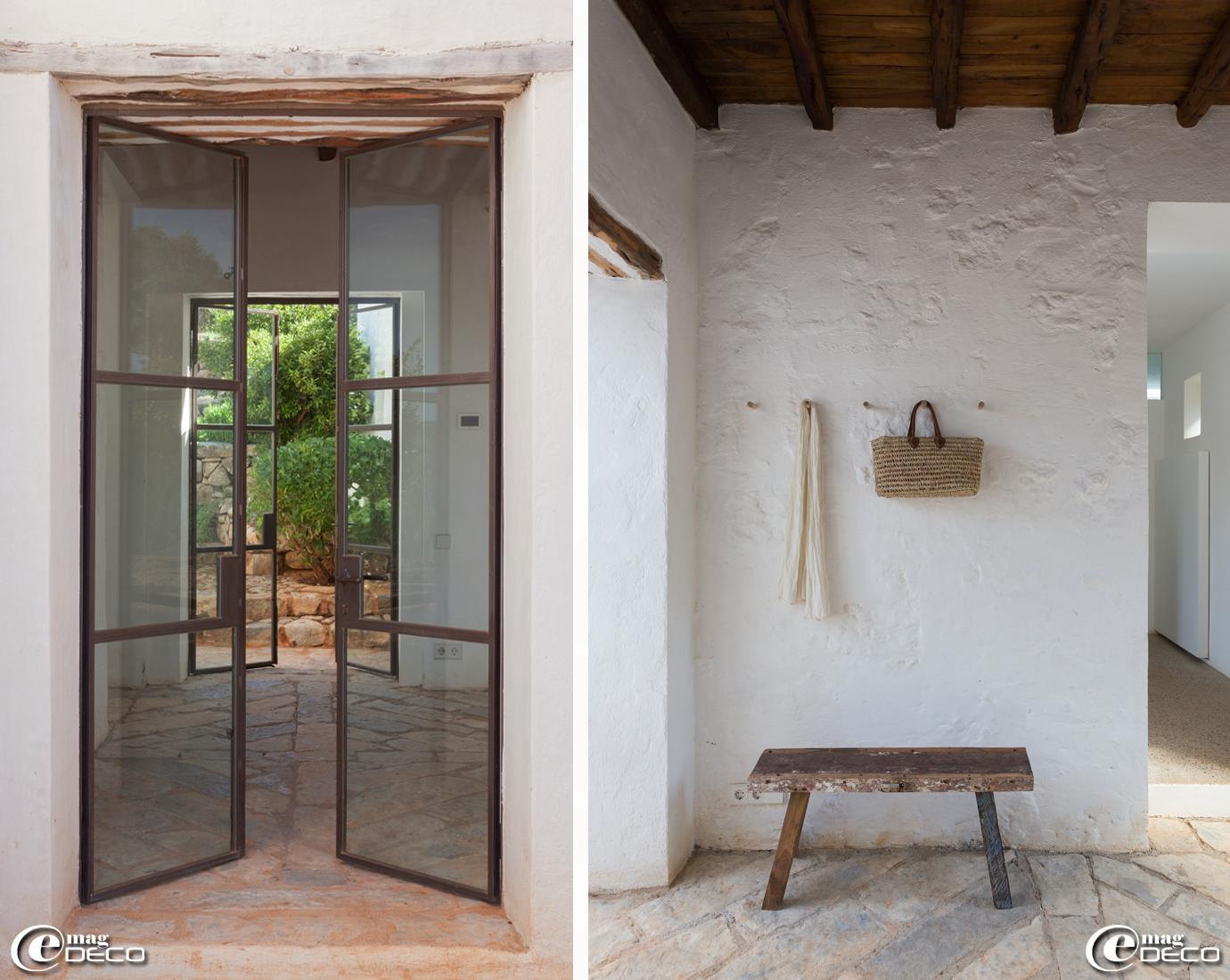 La rénovation de la finca a modifié quelque peu la distribution ainsi cette nouvelle entrée de la maison privilégiant la transparence a permis de relier